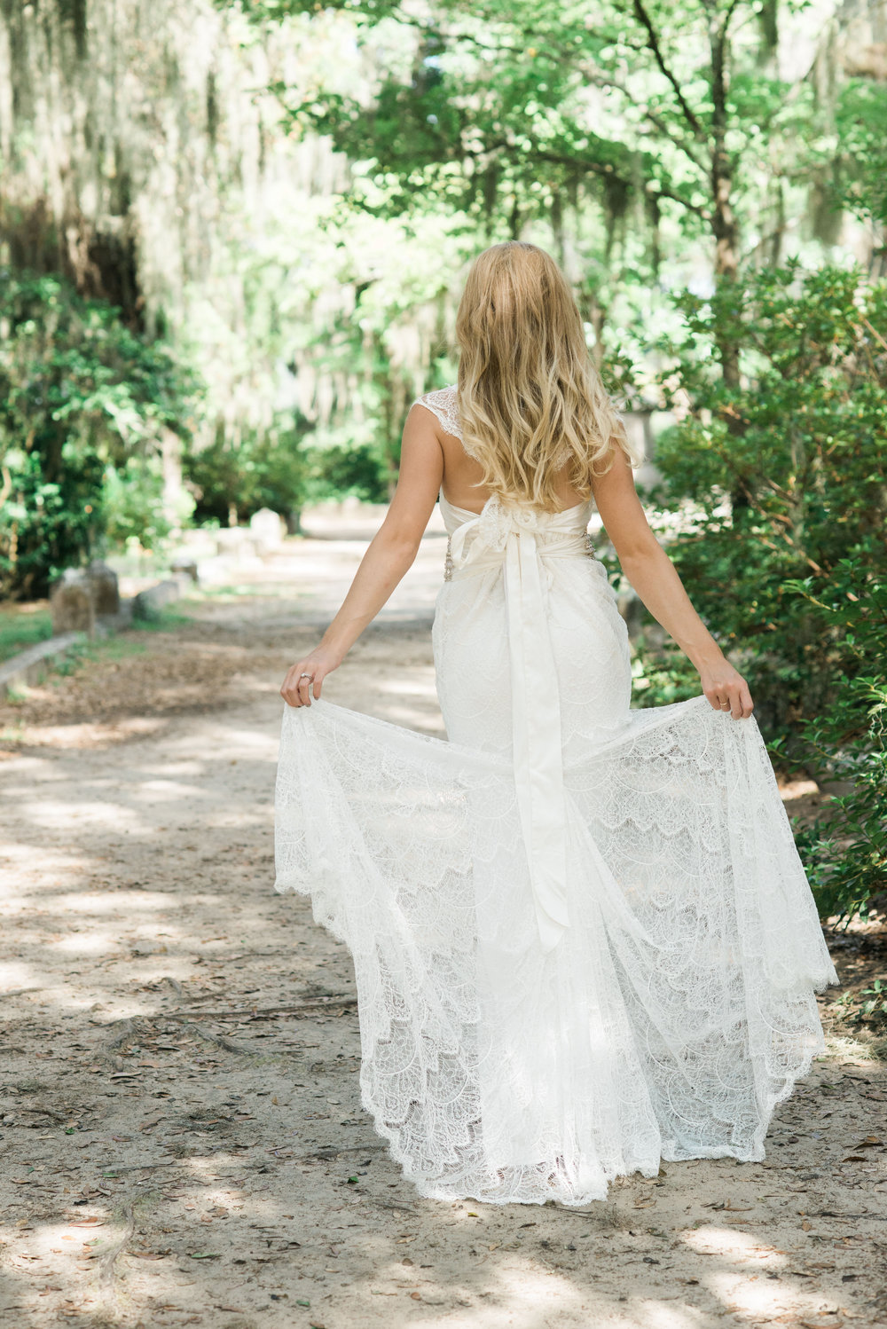 callie-beale-photography-Bonaventure-cemetery-michelle-royal-makeup-cemetery-wedding-ivory-and-beau-wedding-planning-anna-campbell-harper-savannah-bridal-boutique-savannah-wedding-dresses-savannah-weddings-20.jpg