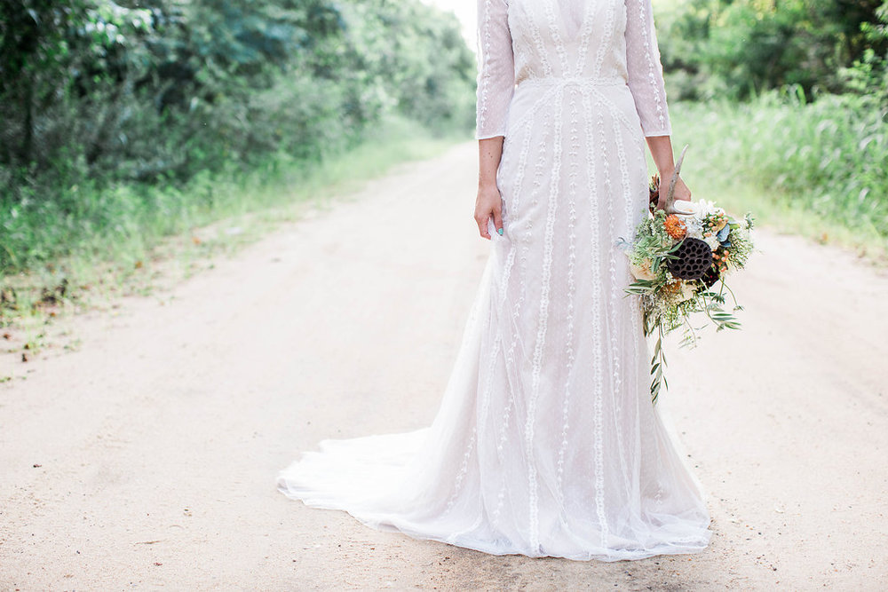 apt-b-photography-ivory-and-beau-bridal-boutique-anna-campbell-isobelle-australian-wedding-the-collins-quarter-savannah-wedding-savannah-weddings-savannah-florist-savannah-bridal-savannah-event-designer-savannah-wedding-dresses-outback-wedding-18.jpg