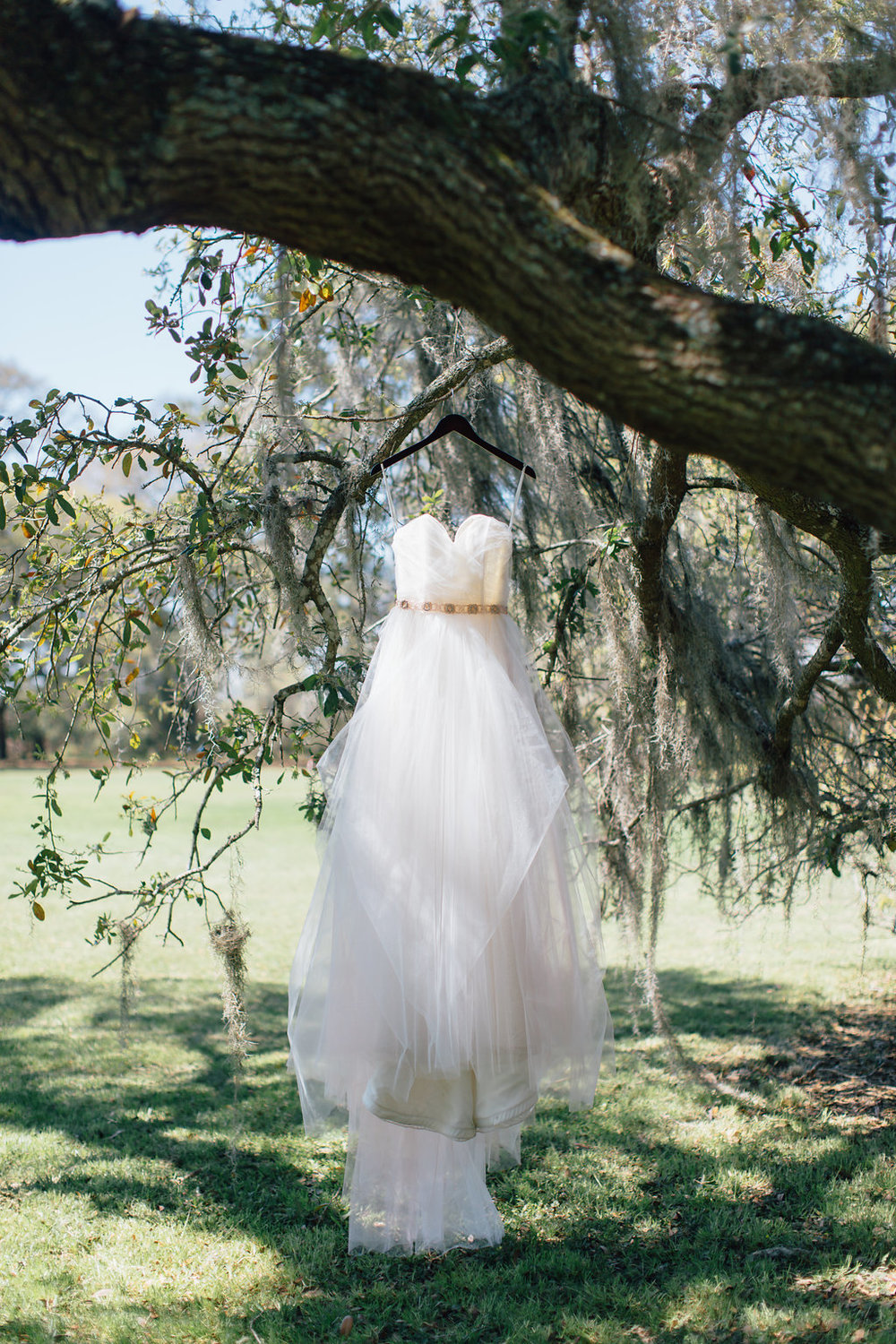 hannah-lane-photography-southern-weddings-blog-charleson-wedding-charleston-styled-shoot-ivory-and-beau-bridal-boutique-blush-by-hayley-paige-candi-blush-tulle-wedding-dress-savannah-bridal-boutique-savannah-wedding-dresses-rosegold-sash-1.jpg