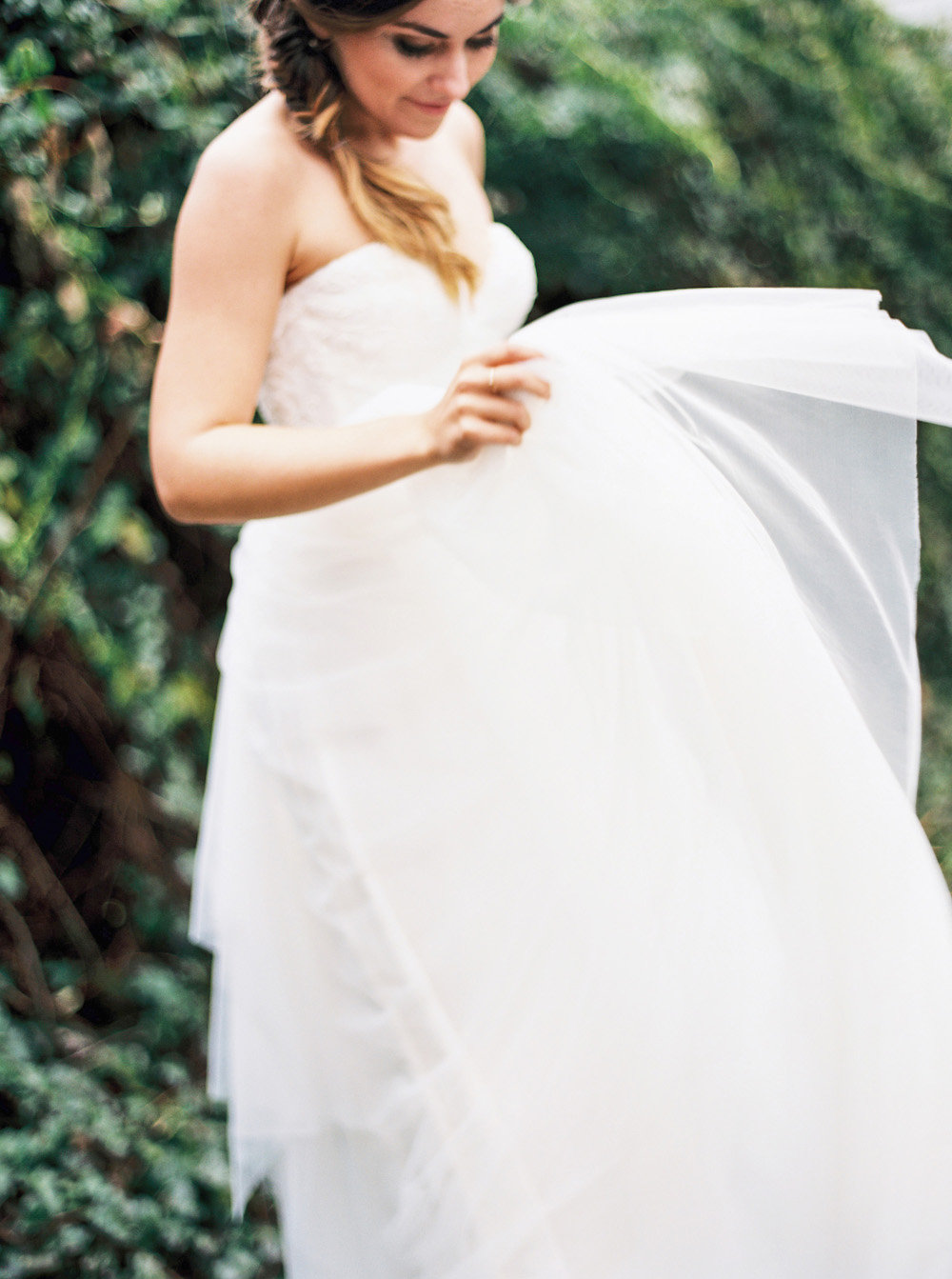 noi-tran-photography-burnetts-boards-burying-the-burbon-savannah-weddings-southern-weddings-atlanta-weddings-sarah-seven-ivory-and-beau-bridal-boutique-savannah-bridal-shop-savannah-bridal-gowns-savannah-wedding-planner-WhiteWood-Events-26.jpg