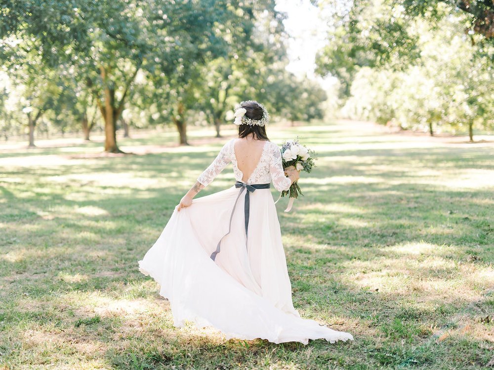 rach-loves-troy-photography-atlanta-wedding-pineola-farms-wedding-cat-wedding-rebecca-shoneveld-vivian-sage-ivory-and-beau-bridal-boutique-savannah-wedding-dresses-savannah-bridal-boutique-savannah-bridal-gowns-savannah-florist-georgia-bridal-10.jpg