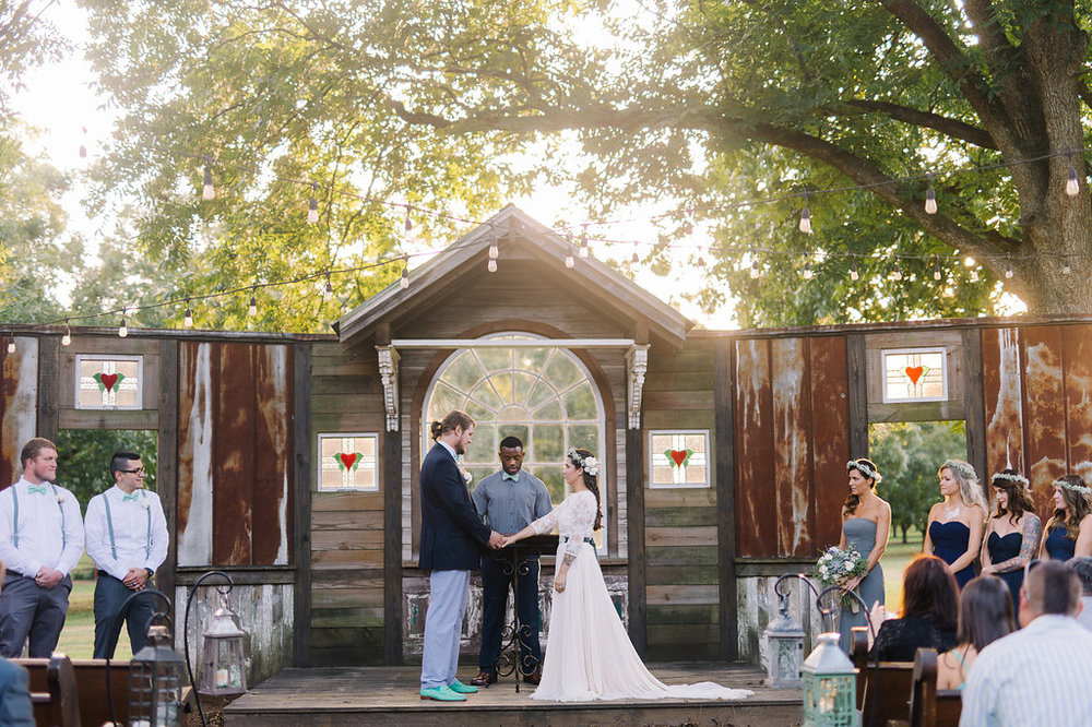rach-loves-troy-photography-atlanta-wedding-pineola-farms-wedding-cat-wedding-rebecca-shoneveld-vivian-sage-ivory-and-beau-bridal-boutique-savannah-wedding-dresses-savannah-bridal-boutique-savannah-bridal-gowns-savannah-florist-georgia-bridal-28.jpg