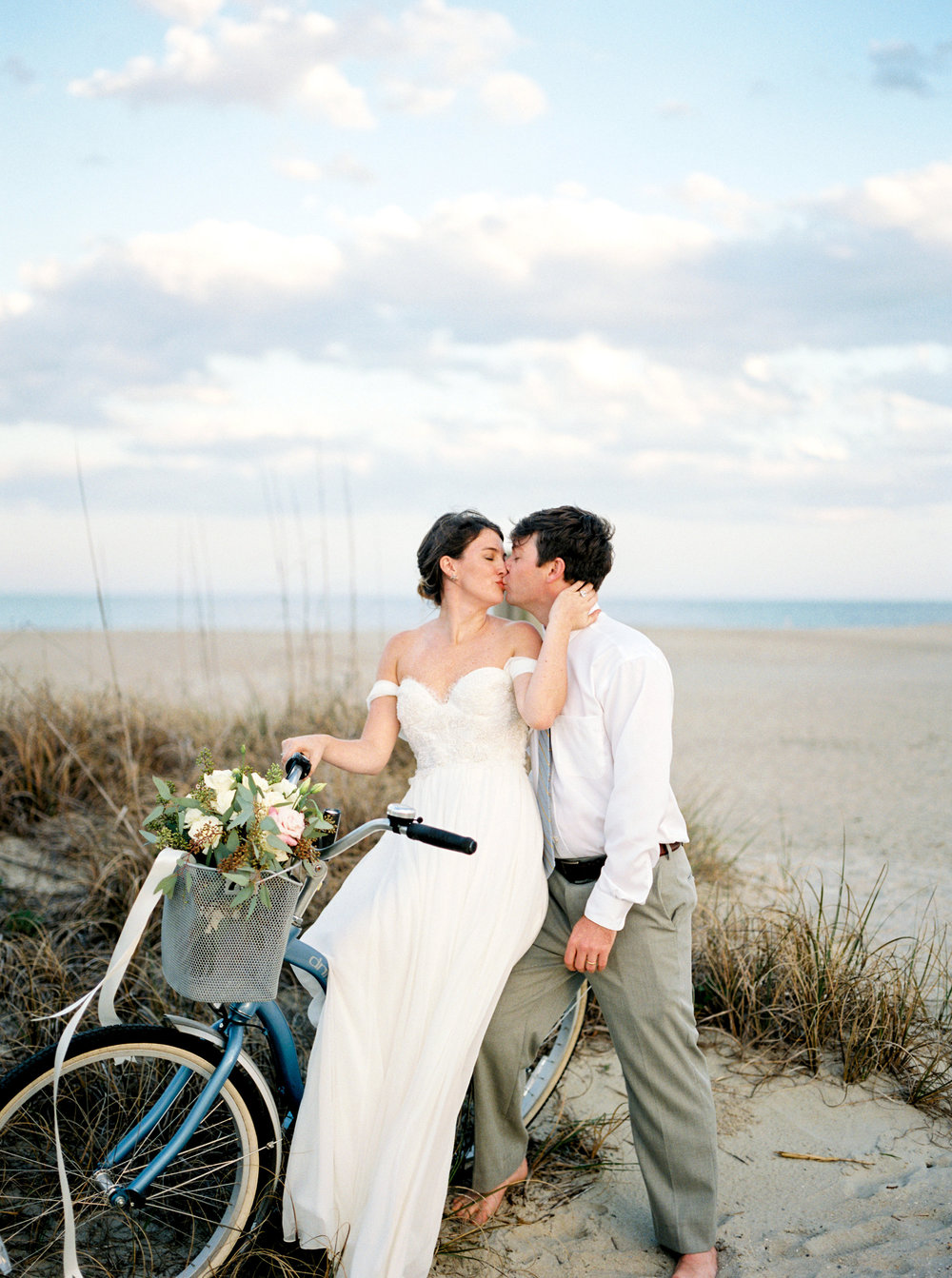 marianne-lucille-photography-jleslie-decor-tybee-wedding-sunset-wedding-beach-wedding-savannah-beach-wedding-sarah-seven-hayes-savannah-bridal-boutique-savannah-wedding-dresses-savannah-bridal-gowns-savannah-weddings-savannah-bridal-25.jpg