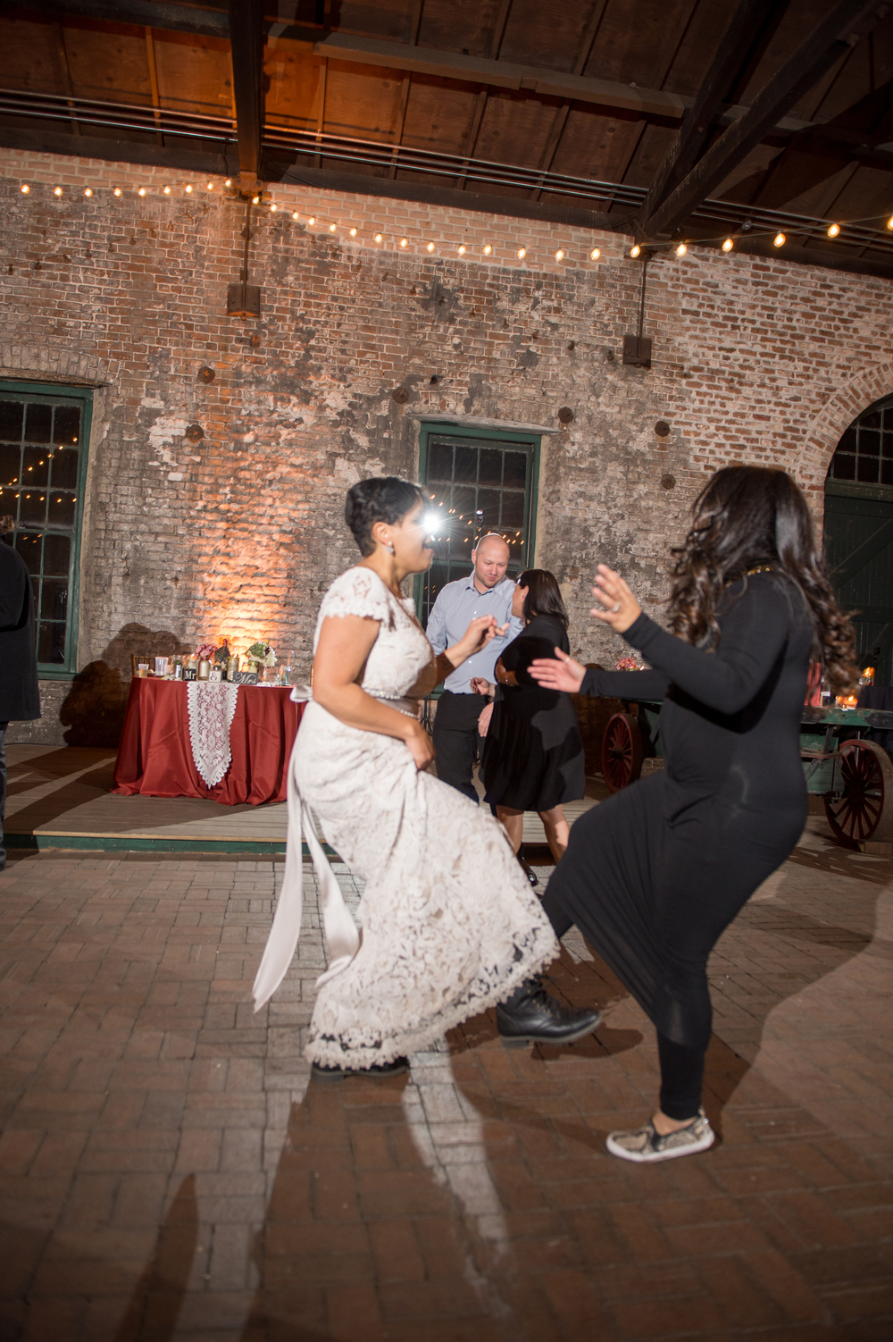 capree-kyle-la-vega-fotografie-roundhouse-railroad-museum-wedding-savannah-wedding-planner-rustic-savannah-wedding-museum-wedding-ivory-and-beau-savannah-bridal-boutique-savannah-weddings-savannah-event-designer-savannah-florist-23.jpg