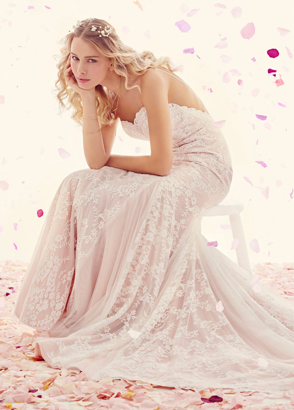 ti-adora-bridal-lace-a-line-gown-scalloped-sweetheart-neckline-straps-english-net-godets-skirt-7510_lg.jpg