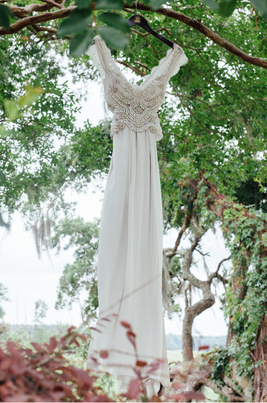 kindred-co-photography-beaufort-wedding-hilton-head-wedding-coco-anna-campbell-grey-wedding-dress-coco-bone-ivory-and-beau-bridal-boutique-savannah-wedding-dresses-savannah-bridal-boutique-savannah-weddings-savannah-wedding-planner-2.png