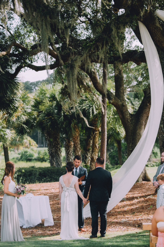kindred-co-photography-beaufort-wedding-hilton-head-wedding-coco-anna-campbell-grey-wedding-dress-coco-bone-ivory-and-beau-bridal-boutique-savannah-wedding-dresses-savannah-bridal-boutique-savannah-weddings-savannah-wedding-planner-14.png