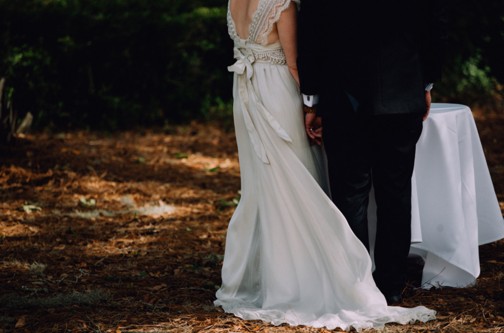 kindred-co-photography-beaufort-wedding-hilton-head-wedding-coco-anna-campbell-grey-wedding-dress-coco-bone-ivory-and-beau-bridal-boutique-savannah-wedding-dresses-savannah-bridal-boutique-savannah-weddings-savannah-wedding-planner-16.png