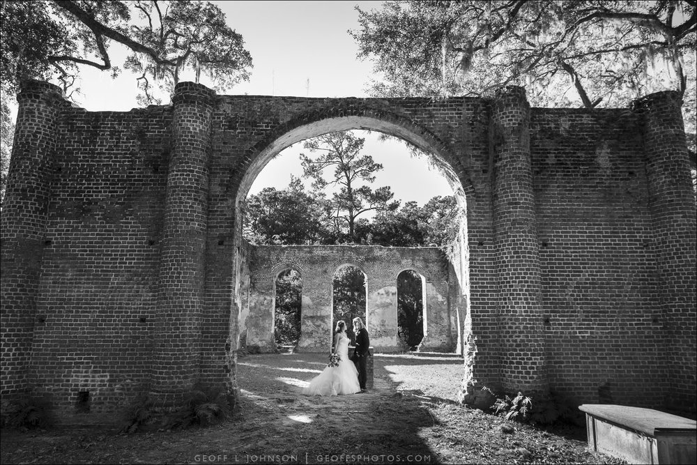 mia-colt-geoff-johnson-photography-savannah-wedding-sheldon-ruins-elopement-savannah-elopement-blush-by-hayley-paige-azi-lace-mermaid-horsehair-wedding-dress-ivory-and-beau-bridal-boutique-savannah-bridal-boutique-10.jpg