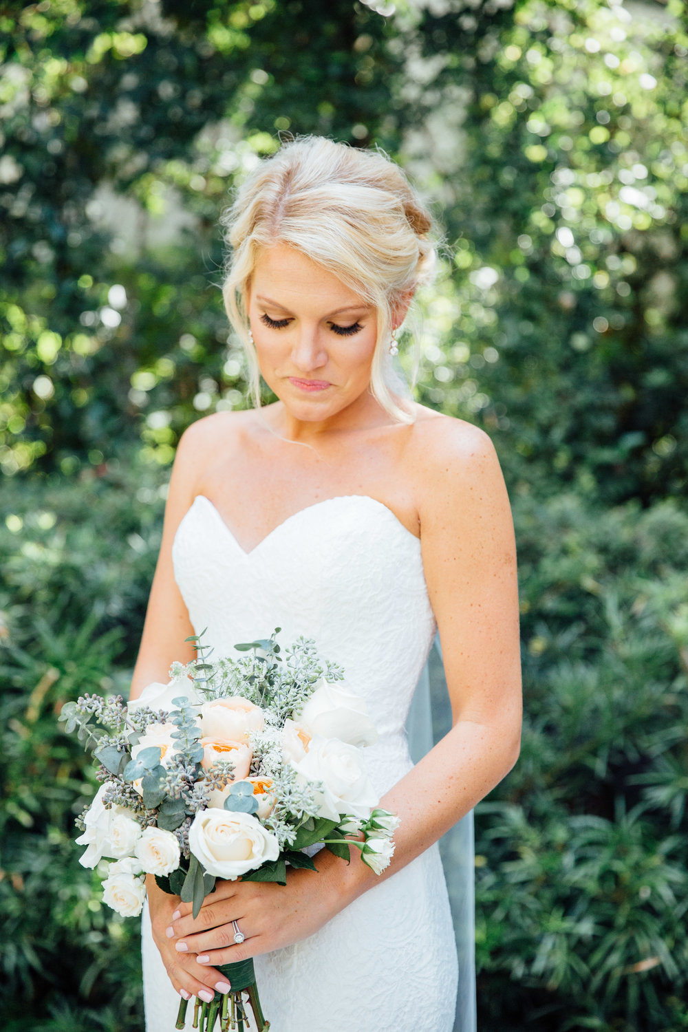anna-benton-photography-savannah-bridal-boutique-ivory-and-beau-bridal-boutique-ti-adora-7552-lace-wedding-dress-jaclyn-jordan-anne-veil-southern-wedding-savannah-wedding-coastal-wedidng-savannah-wedding-planner-savannah-florist-savannah-weddings-2.jpg