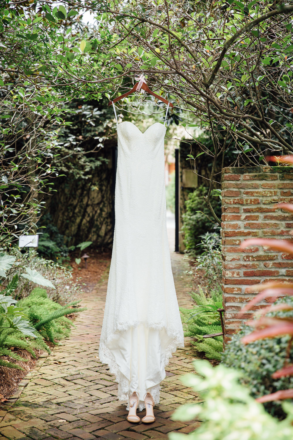 anna-benton-photography-savannah-bridal-boutique-ivory-and-beau-bridal-boutique-ti-adora-7552-lace-wedding-dress-jaclyn-jordan-anne-veil-southern-wedding-savannah-wedding-coastal-wedidng-savannah-wedding-planner-savannah-florist-savannah-weddings-1.jpg