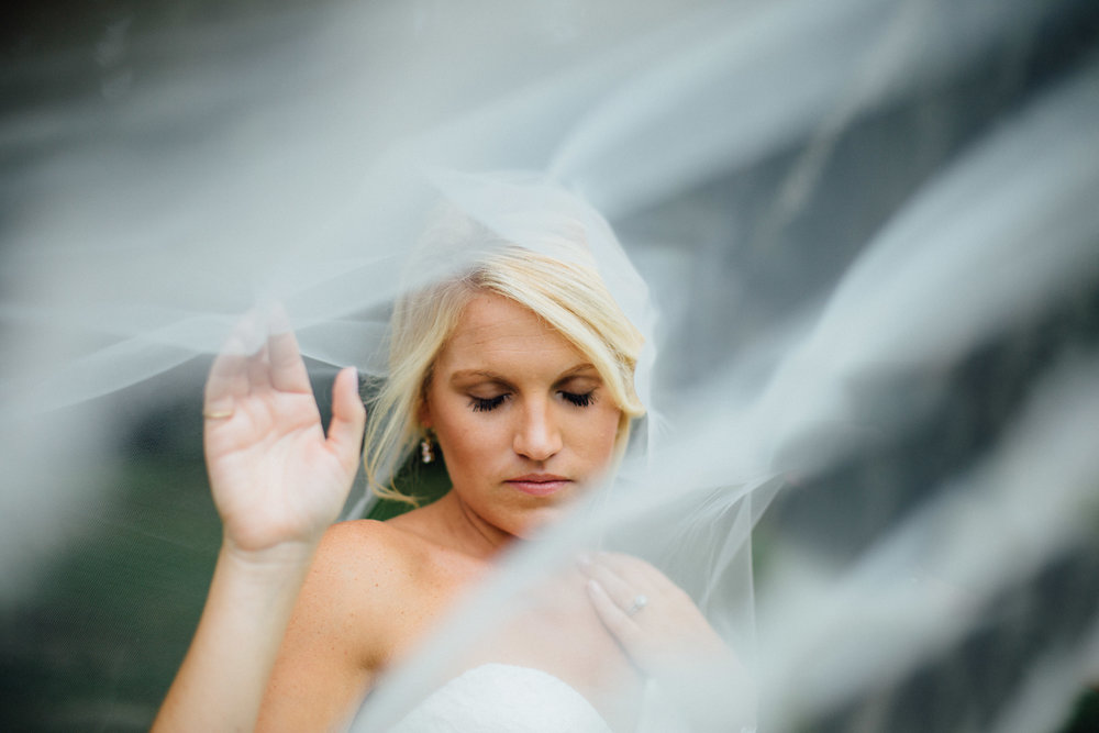 anna-benton-photography-savannah-bridal-boutique-ivory-and-beau-bridal-boutique-ti-adora-7552-lace-wedding-dress-jaclyn-jordan-anne-veil-southern-wedding-savannah-wedding-coastal-wedidng-savannah-wedding-planner-savannah-florist-savannah-weddings-7.jpg