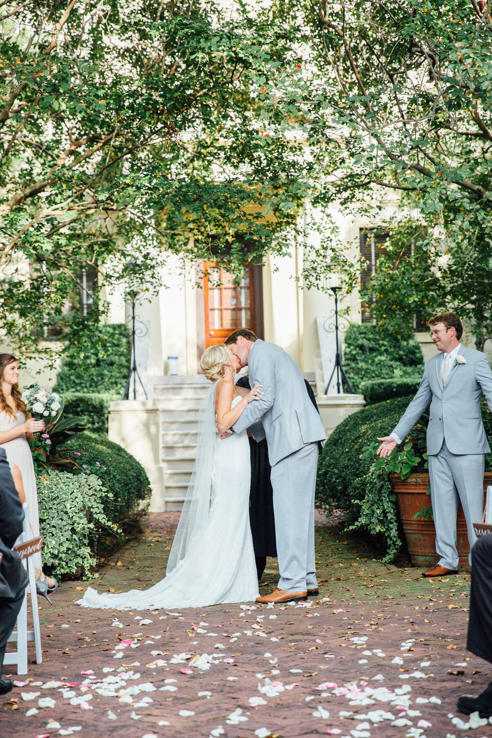 anna-benton-photography-savannah-bridal-boutique-ivory-and-beau-bridal-boutique-ti-adora-7552-lace-wedding-dress-jaclyn-jordan-anne-veil-southern-wedding-savannah-wedding-coastal-wedidng-savannah-wedding-planner-savannah-florist-savannah-weddings-12.jpg
