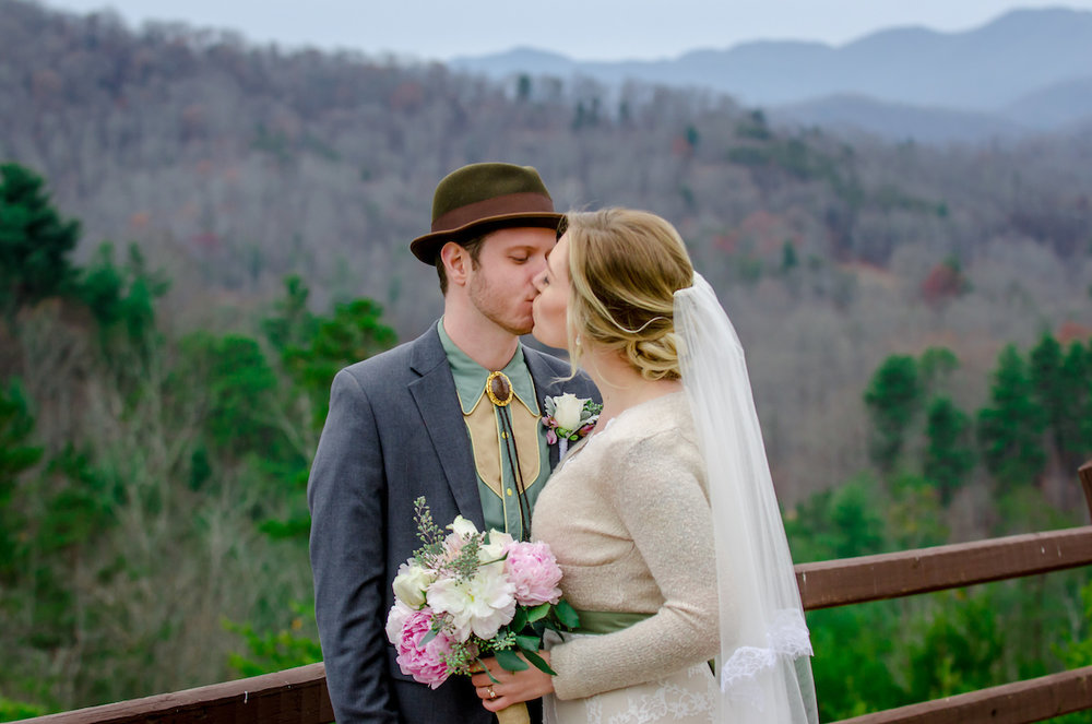 amanda-berk-photography-asheville-wedding-mountain-wedding-winery-wedding-ti-adora-wedding-dress-southern-wedding-destination-wedding-mountain-elopement-savannah-bridal-boutique-ivory-and-beau-bridal-boutique-savannah-weddings-5.jpg