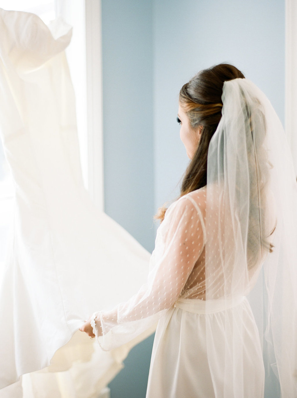 mps-photographie-nicole-miller-dakota-savannah-bridal-boutique-ivory-and-beau-bridal-boutique-savannah-weddings-savannah-bride-southern-bride-savannah-weddings-adele-amelia-veil-2.jpg