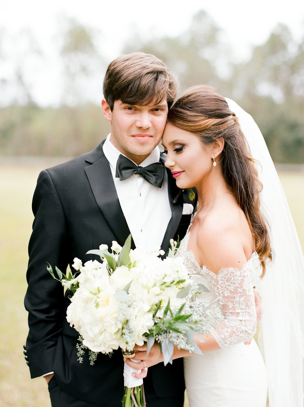 mps-photographie-nicole-miller-dakota-savannah-bridal-boutique-ivory-and-beau-bridal-boutique-savannah-weddings-savannah-bride-southern-bride-savannah-weddings-adele-amelia-veil-14.jpg