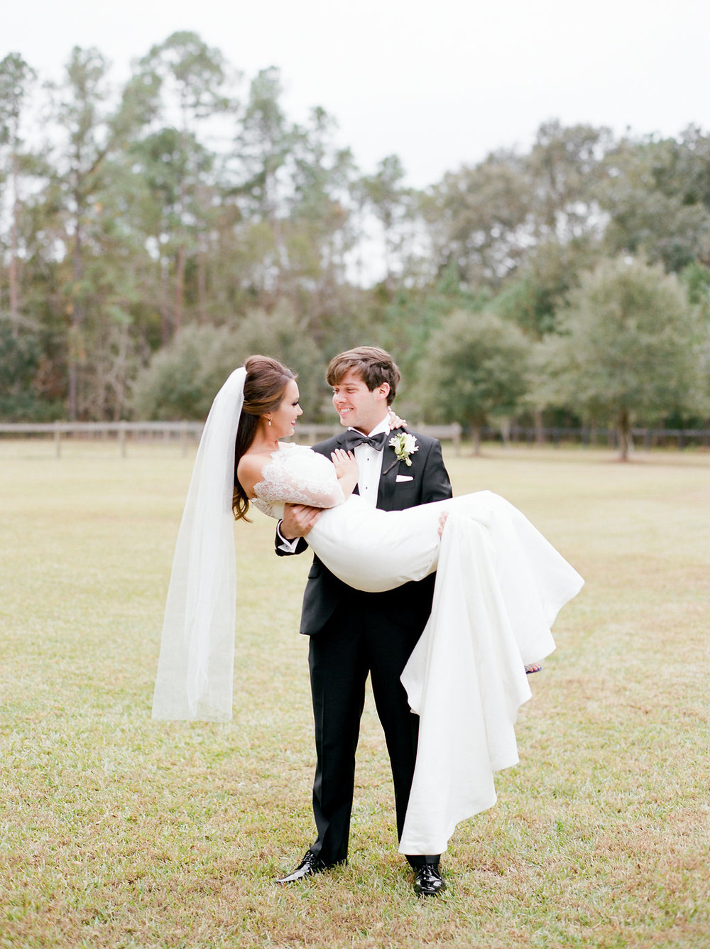 mps-photographie-nicole-miller-dakota-savannah-bridal-boutique-ivory-and-beau-bridal-boutique-savannah-weddings-savannah-bride-southern-bride-savannah-weddings-adele-amelia-veil-16.jpg