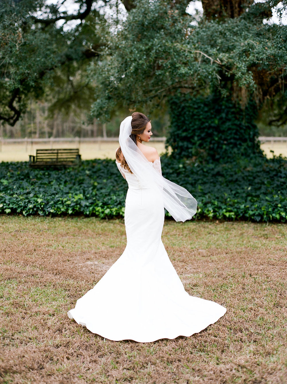 mps-photographie-nicole-miller-dakota-savannah-bridal-boutique-ivory-and-beau-bridal-boutique-savannah-weddings-savannah-bride-southern-bride-savannah-weddings-adele-amelia-veil-18.jpg