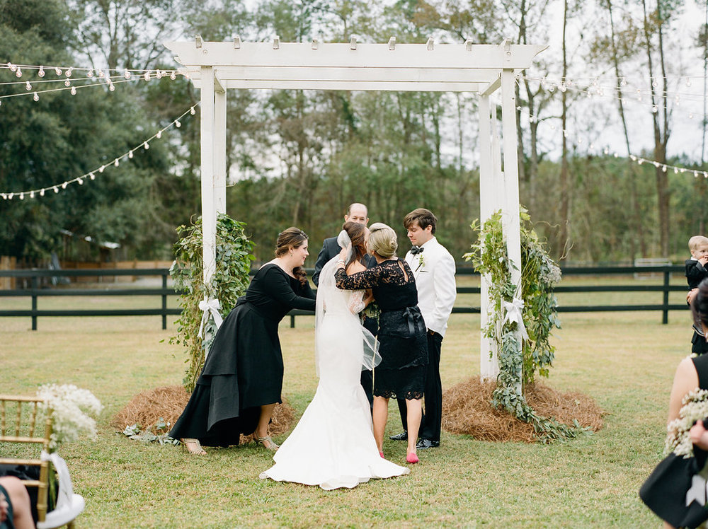 mps-photographie-nicole-miller-dakota-savannah-bridal-boutique-ivory-and-beau-bridal-boutique-savannah-weddings-savannah-bride-southern-bride-savannah-weddings-adele-amelia-veil-25.jpg