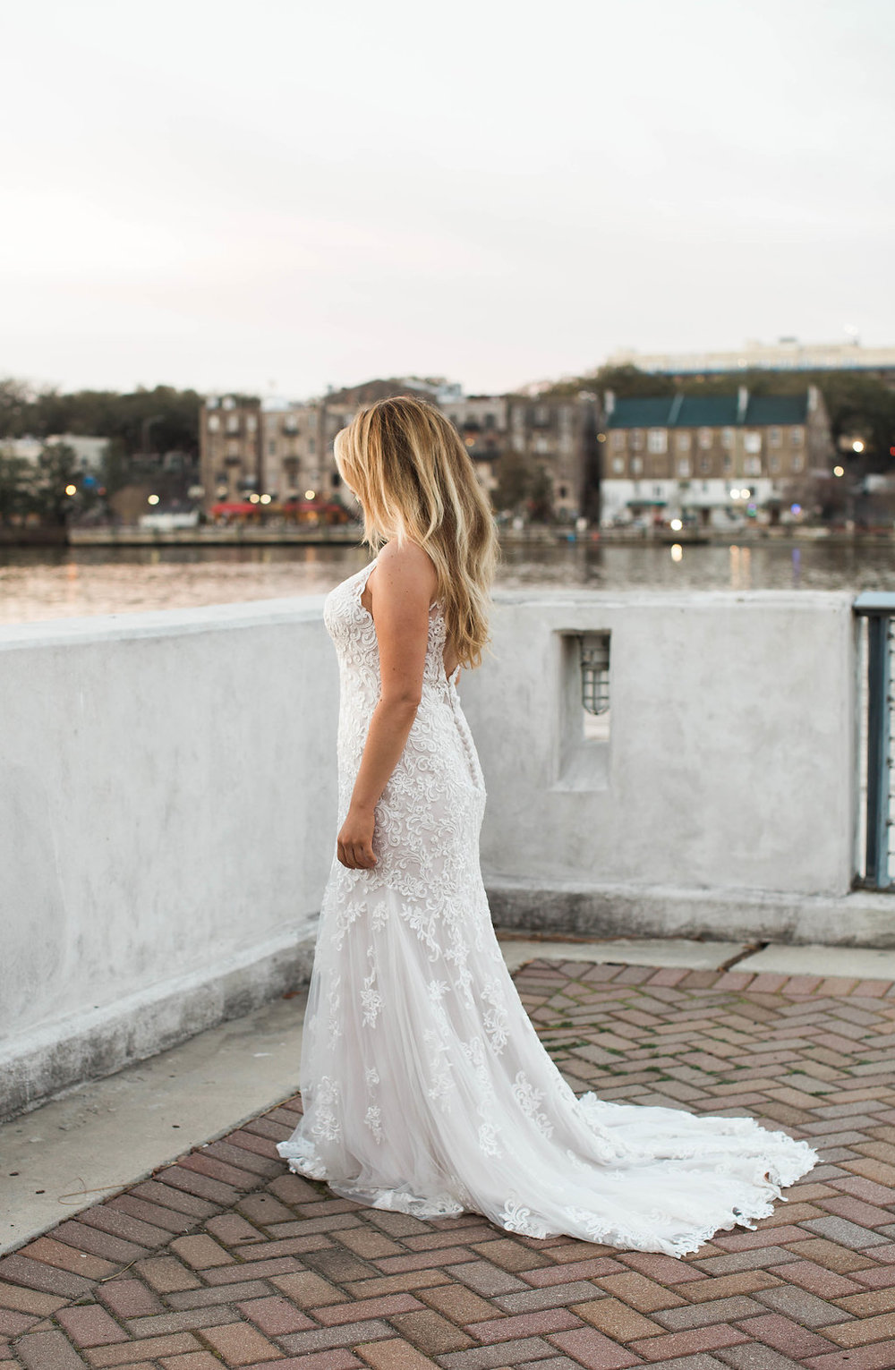 danielle-george-photography-tara-rebecca-ingram-maggie-sottero-ivory-and-beau-bridal-boutique-savannah-river-savannah-wedding-river-wedding-southern-wedding-southern-bride-adele-amelia-veil-1.JPG