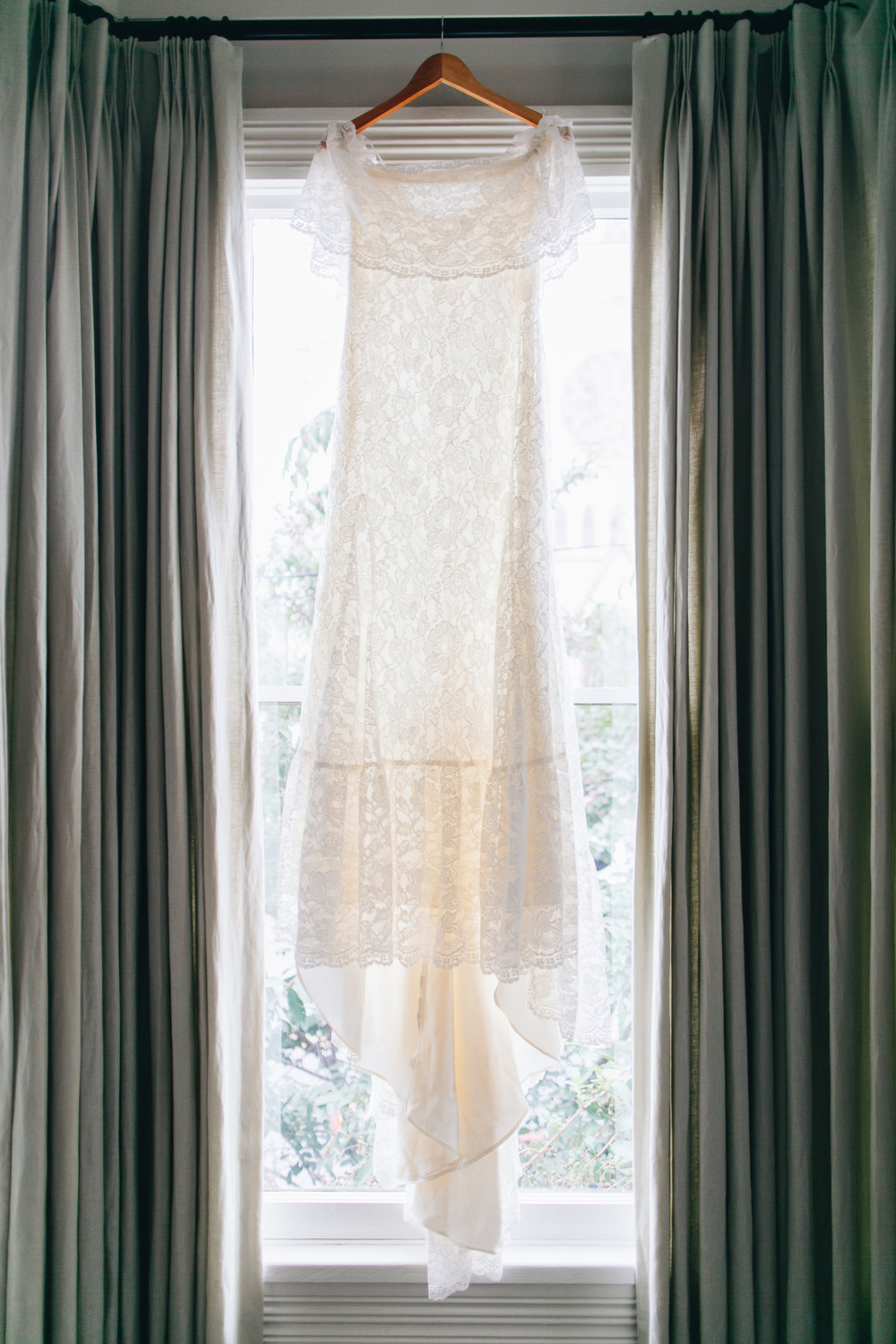darling-juliet-photography-ivory-and-beau-bridal-boutique-savannah-wedding-dresses-savannah-bridal-gowns-daughters-of-simone-winnie-savannah-florist-boho-wedding-savannah-boho-wedding-roundhouse-railroad-musuem-wedding-3.jpg
