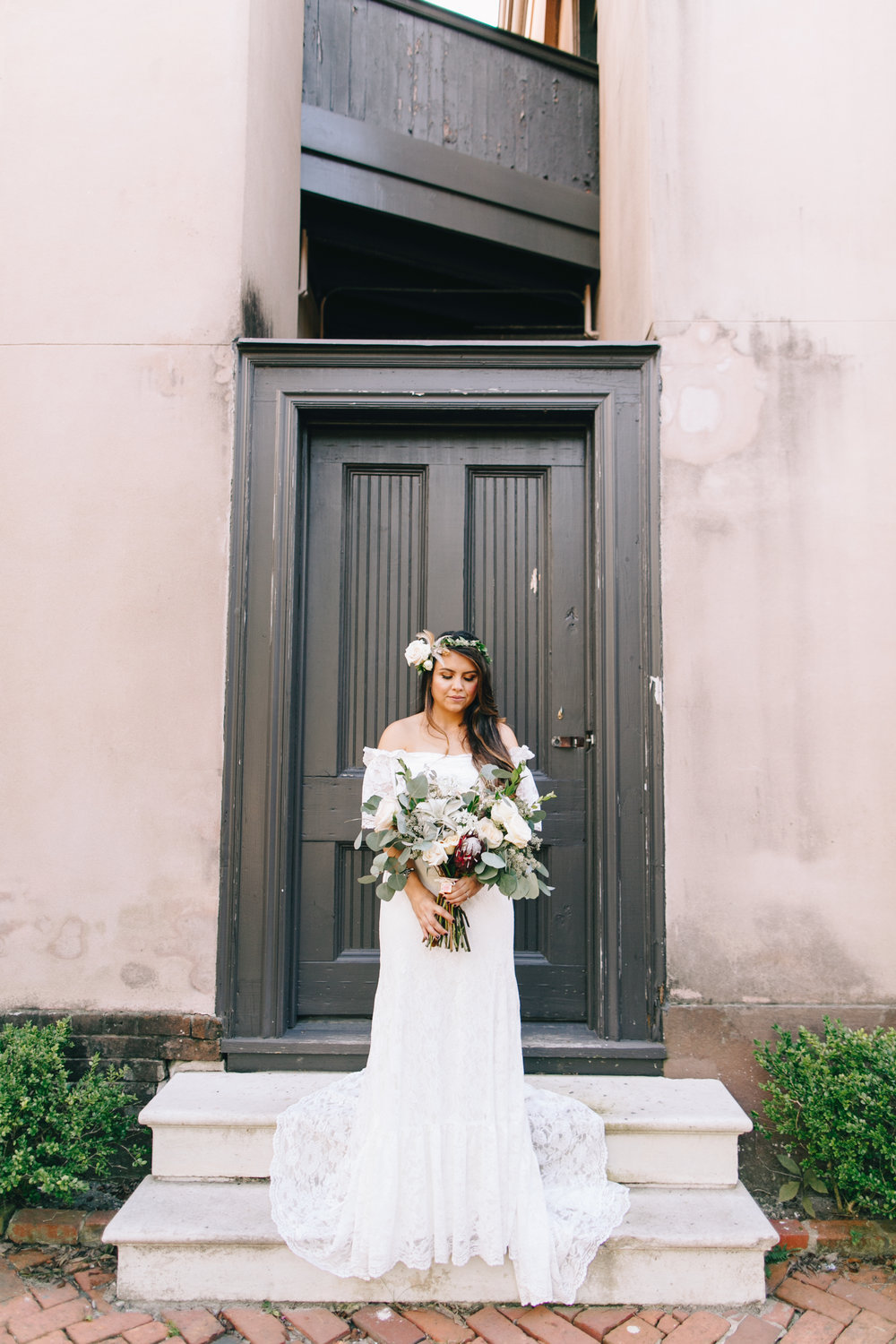 darling-juliet-photography-ivory-and-beau-bridal-boutique-savannah-wedding-dresses-savannah-bridal-gowns-daughters-of-simone-winnie-savannah-florist-boho-wedding-savannah-boho-wedding-roundhouse-railroad-musuem-wedding-12.jpg