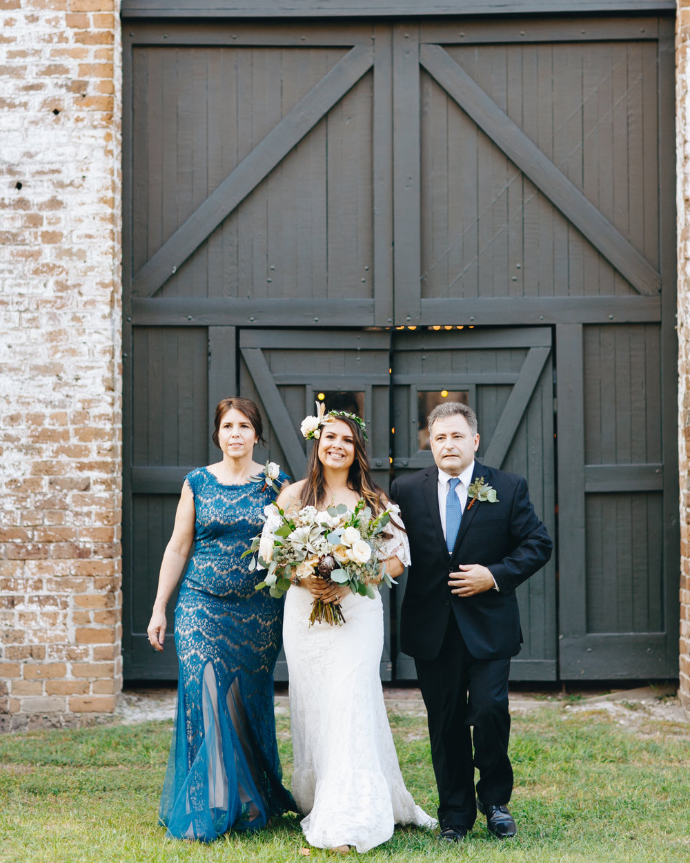 darling-juliet-photography-ivory-and-beau-bridal-boutique-savannah-wedding-dresses-savannah-bridal-gowns-daughters-of-simone-winnie-savannah-florist-boho-wedding-savannah-boho-wedding-roundhouse-railroad-musuem-wedding-21.jpg