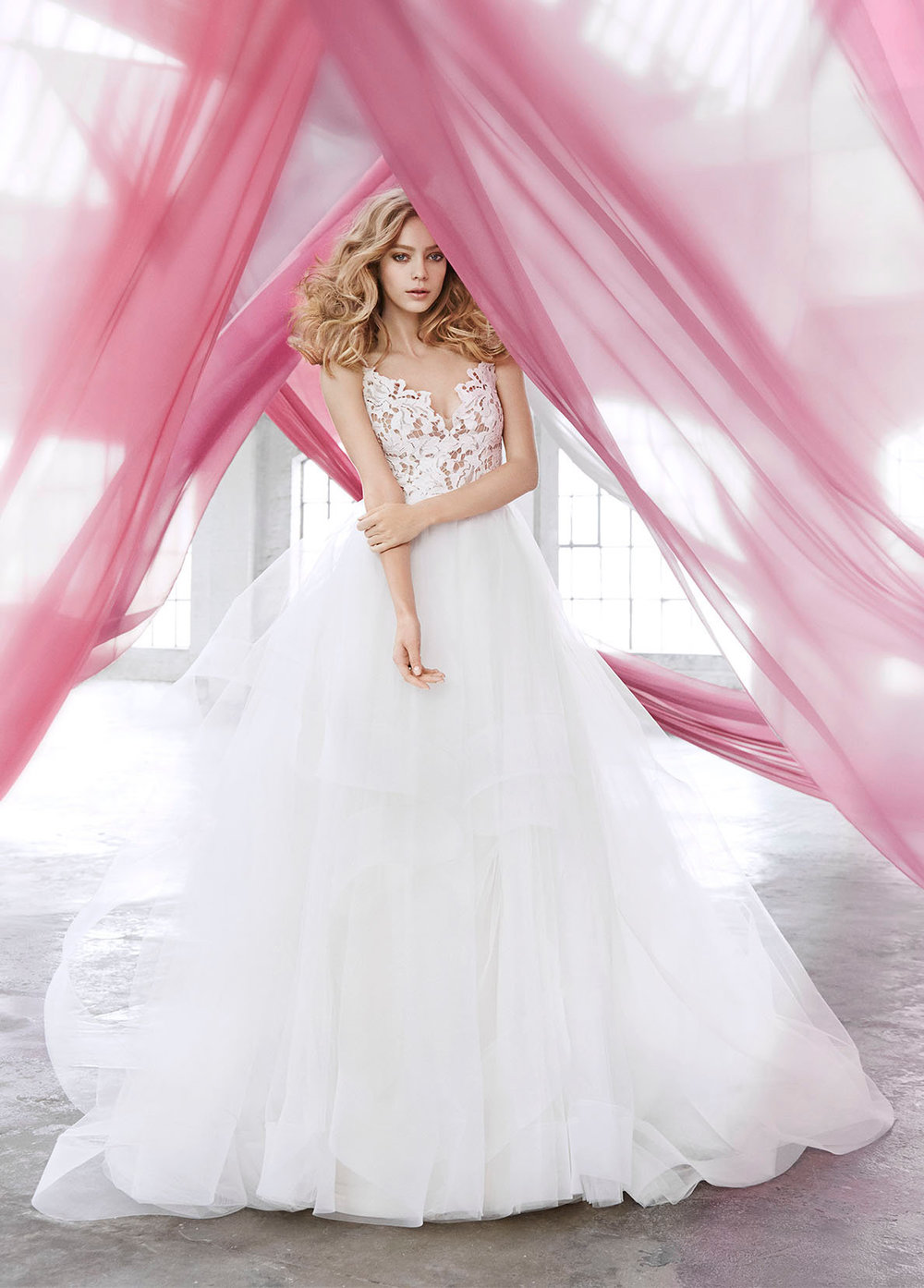 blush-hayley-paige-bridal-lace-tulle-ball-gown-scalloped-v-neck-strap-tiered-tulle-horsehair-trim-1600_lg.jpg