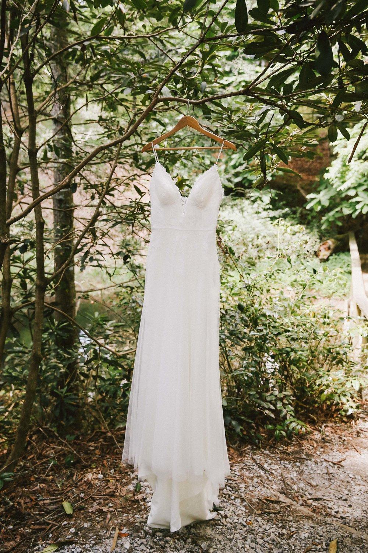 high-hampton-inn-wedding-w-and-e-photographie-mountain-wedding-tiadora-wedding-dress-savannah-bridal-boutique-savannah-weddings-ivory-and-beau-bridal-boutique-outdoor-wedding-2.jpg