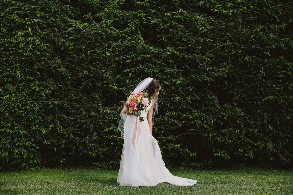 high-hampton-inn-wedding-w-and-e-photographie-mountain-wedding-tiadora-wedding-dress-savannah-bridal-boutique-savannah-weddings-ivory-and-beau-bridal-boutique-outdoor-wedding-5.jpg