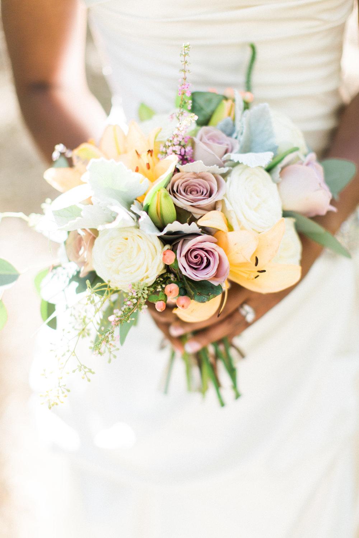 savannah-wedding-planner-savannah-wedding-floral-designer-ivory-and-beau-savannah-botanical-gardens-wedding-photos-savannah-event-coodinator-bouquet(19 of 400).jpg