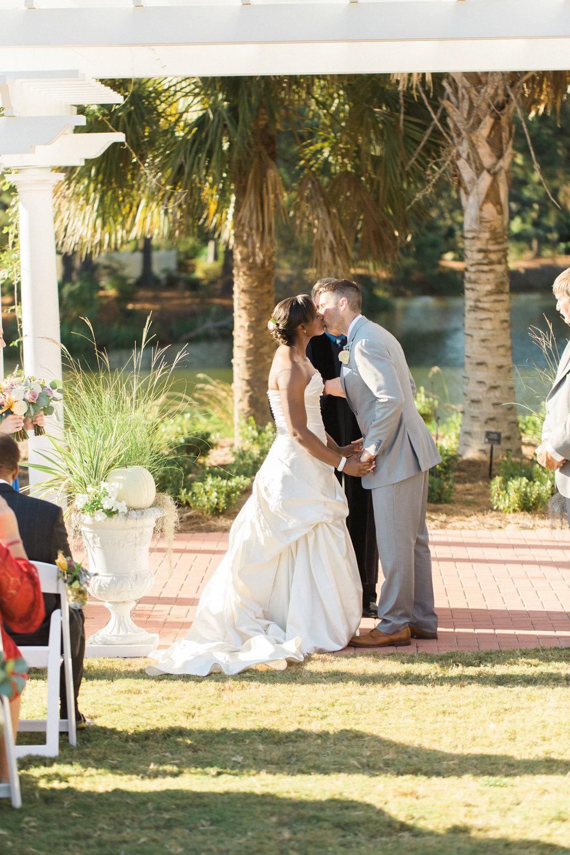 savannah-wedding-planner-savannah-wedding-florist-ivory-and-beau-savannah-event-coordinator-savannah-botanical-gardens-wedding-photos(150 of 400).jpg
