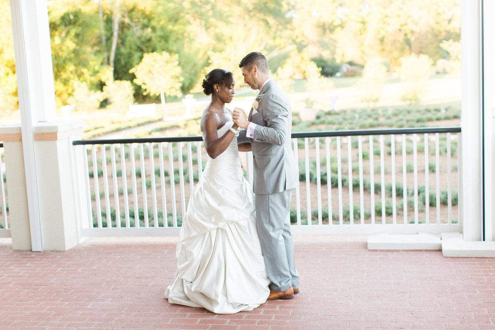 savannah-wedding-planner-savannah-wedding-florist-ivory-and-beau-savannah-event-coordinator-savannah-botanical-gardens-wedding-photos(222 of 400).jpg