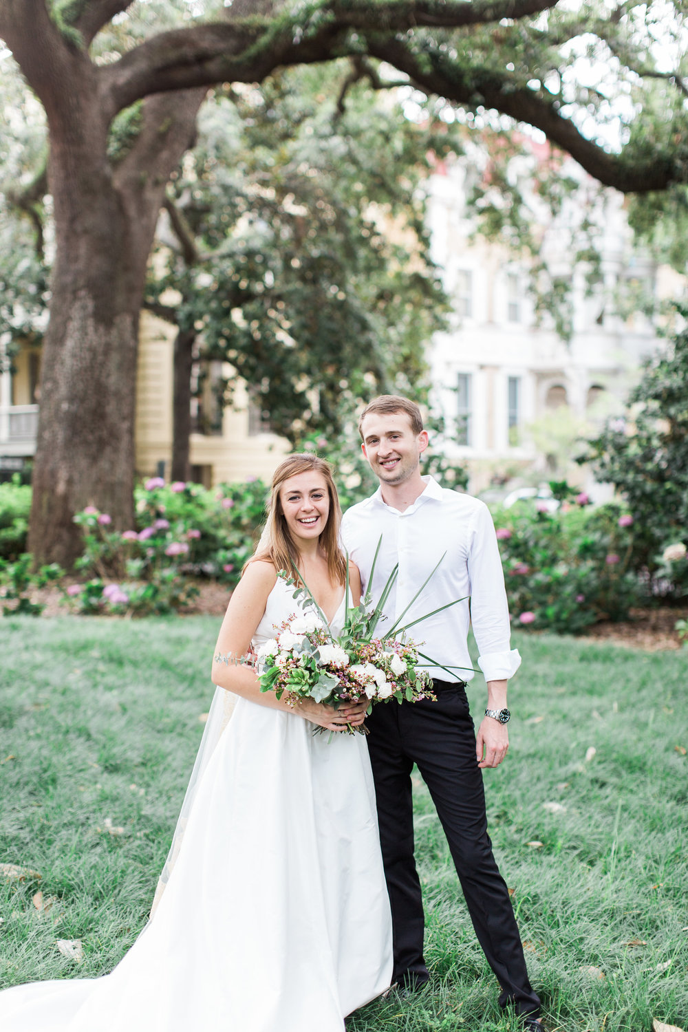 apt-b-photography-kate-mcdonald-mccants-forsyth-park-elopement-forsyth-fountain-rainy-wedding-day-savannah-florist-ivory-and-beau-bridal-boutique-savannah-wedding-gowns-savannah-weddings-savannah-wedding-planner-adele-amelia-gold-veil-14.jpg