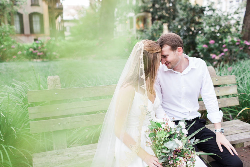 apt-b-photography-kate-mcdonald-mccants-forsyth-park-elopement-forsyth-fountain-rainy-wedding-day-savannah-florist-ivory-and-beau-bridal-boutique-savannah-wedding-gowns-savannah-weddings-savannah-wedding-planner-adele-amelia-gold-veil-18.jpg