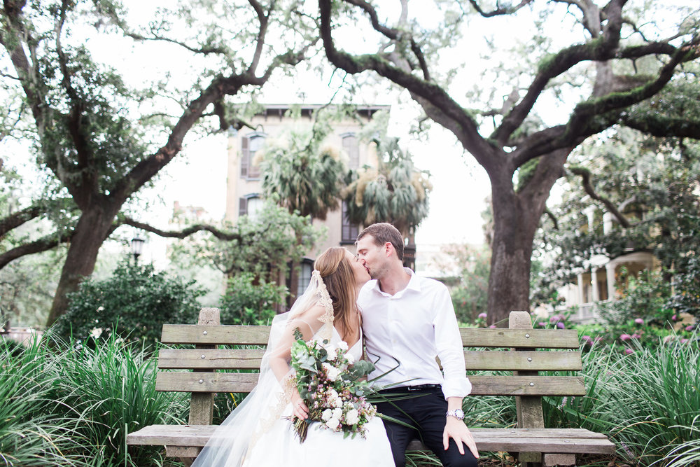 apt-b-photography-kate-mcdonald-mccants-forsyth-park-elopement-forsyth-fountain-rainy-wedding-day-savannah-florist-ivory-and-beau-bridal-boutique-savannah-wedding-gowns-savannah-weddings-savannah-wedding-planner-adele-amelia-gold-veil-17.jpg