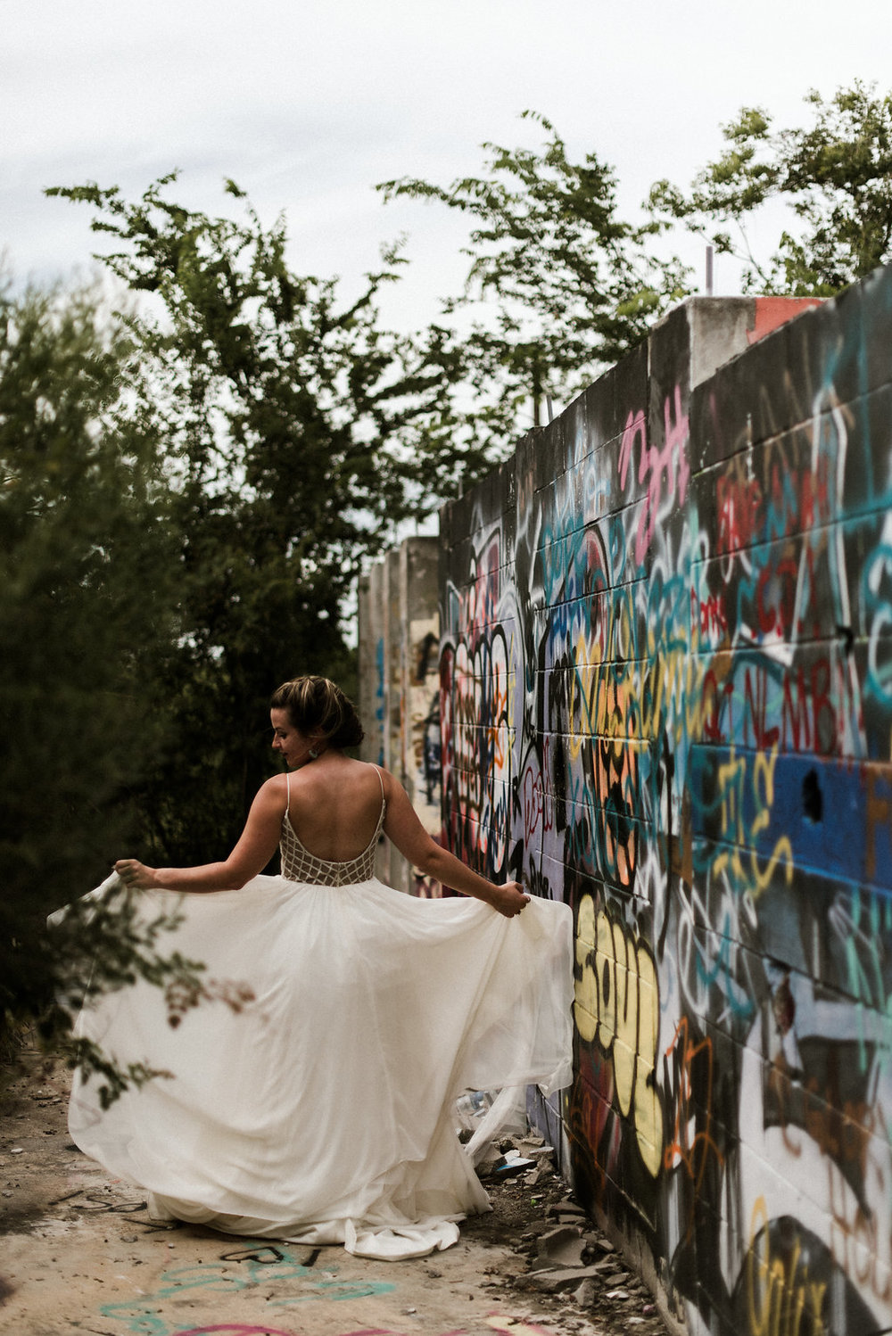 Savannah-Stonehenge-lauren-imus-photography-savannah-wedding-photographer-blush-by-hayley-paige-honeycomb-ivory-and-beau-bridal-boutique-savannah-wedding-dresses-savannah-bridal-boutique-savannah-wedding-planner-savannah-florist-graffiti-wedding-10.jpg