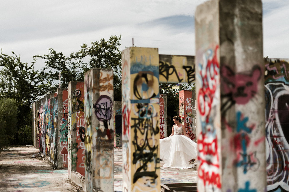 Savannah-Stonehenge-lauren-imus-photography-savannah-wedding-photographer-blush-by-hayley-paige-honeycomb-ivory-and-beau-bridal-boutique-savannah-wedding-dresses-savannah-bridal-boutique-savannah-wedding-planner-savannah-florist-graffiti-wedding-30.jpg