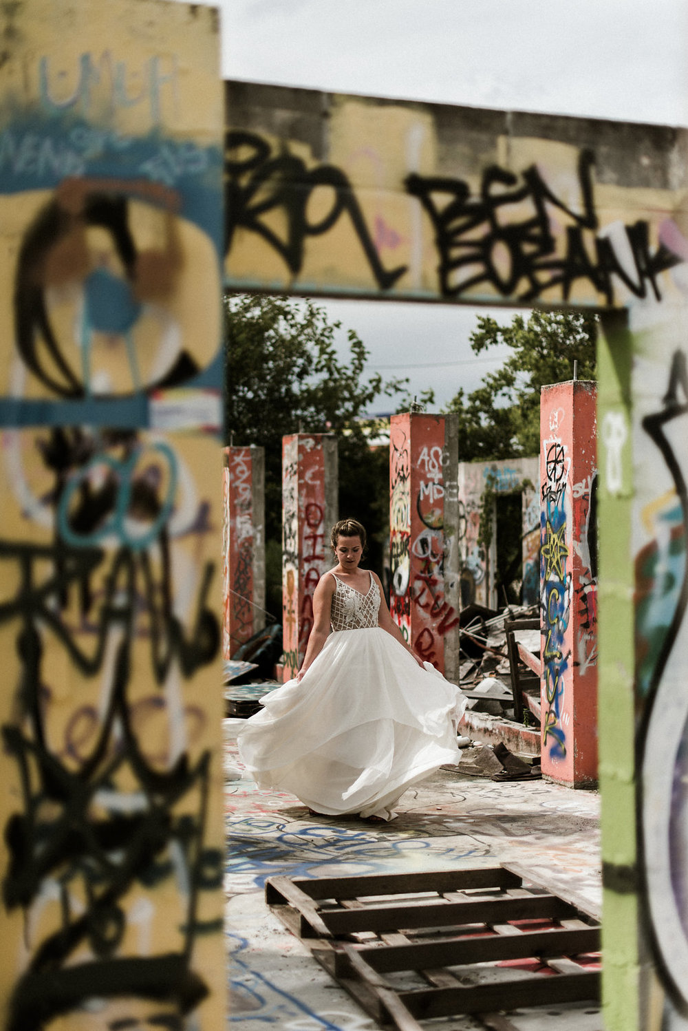 Savannah-Stonehenge-lauren-imus-photography-savannah-wedding-photographer-blush-by-hayley-paige-honeycomb-ivory-and-beau-bridal-boutique-savannah-wedding-dresses-savannah-bridal-boutique-savannah-wedding-planner-savannah-florist-graffiti-wedding-31.jpg