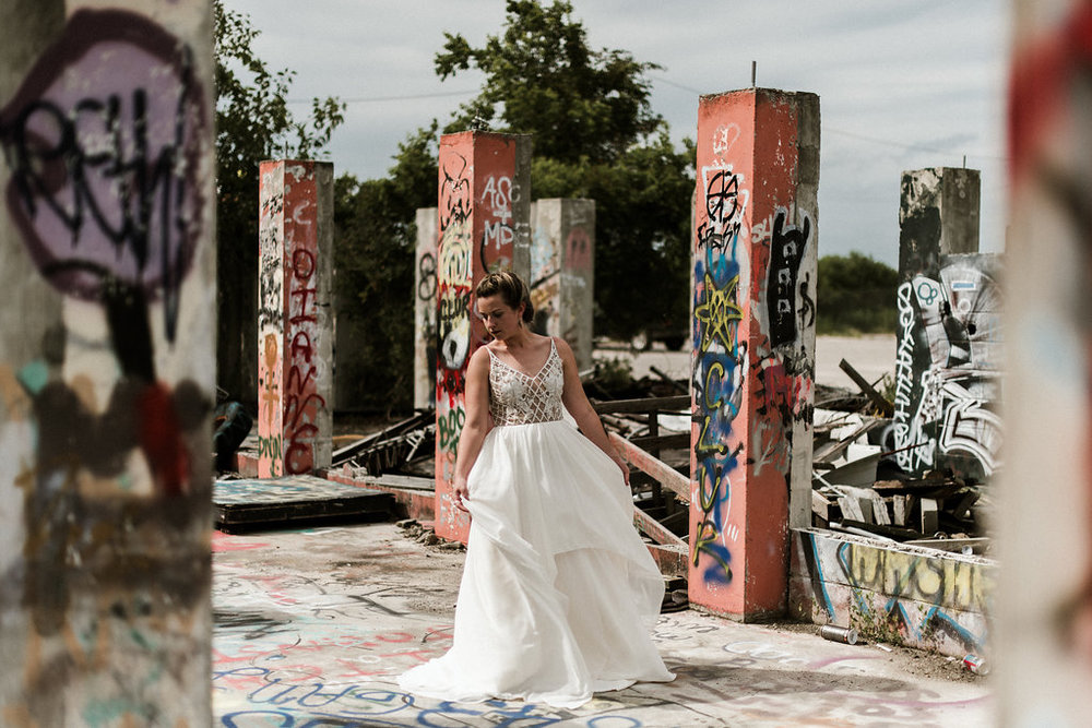 Savannah-Stonehenge-lauren-imus-photography-savannah-wedding-photographer-blush-by-hayley-paige-honeycomb-ivory-and-beau-bridal-boutique-savannah-wedding-dresses-savannah-bridal-boutique-savannah-wedding-planner-savannah-florist-graffiti-wedding-33.jpg