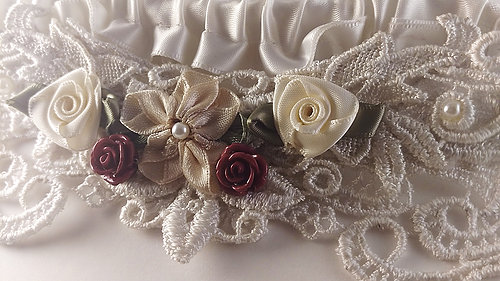 couffia-couture-lovey-dovey-garter-savannah-designer-savannah-bridal-boutique-ivory-and-beau-savannah-brides-savannah-bridal-accessories-garters-custom-designed-garden-of-ardor.jpg