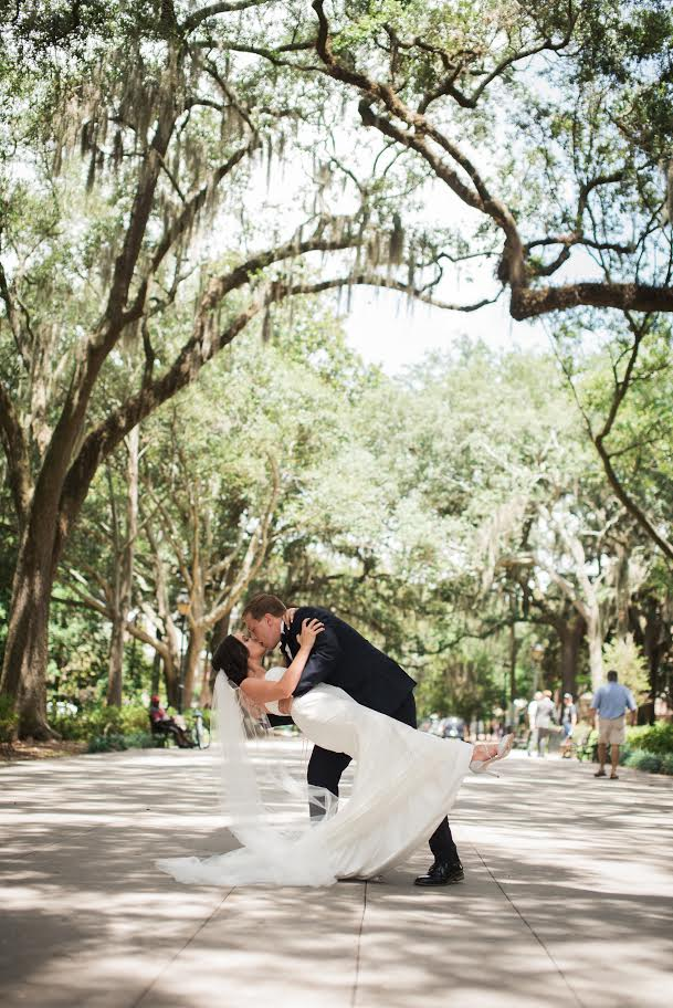 KELLY'S ROMANTIC SAVANNAH WEDDING