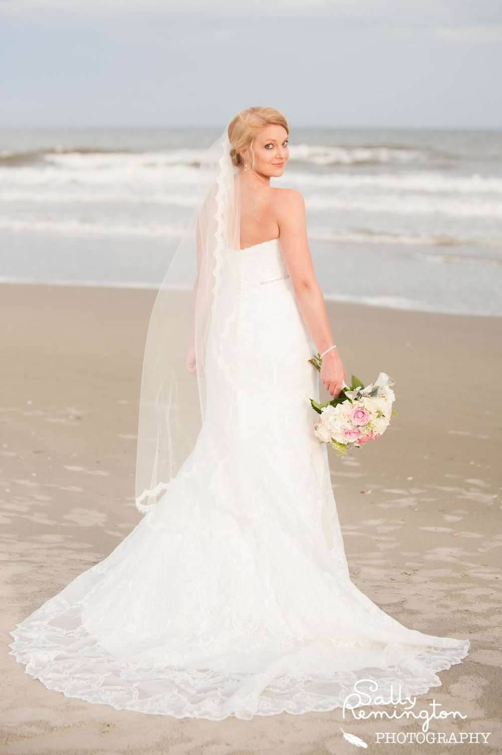 STEPHANIE'S ELEGANT BEACHSIDE WEDDING