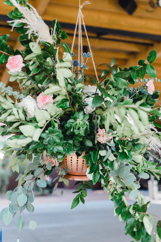 ivory-and-beau-danielle-george-photography-ships-of-the-sea-savannah-wedding-florist-savannah-wedding-planner-ivory-and-beau-savannah-weddings-at-ships-of-the-sea-southern-wedding-inspiration-beautiful-wedding-designer-savannah-georgia-hanging-centerp.JPG