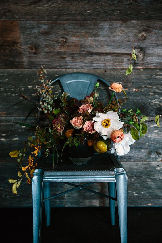 Photography:   Jessie Webster  via  Crate Blog  // Florals:  Moon Canyon