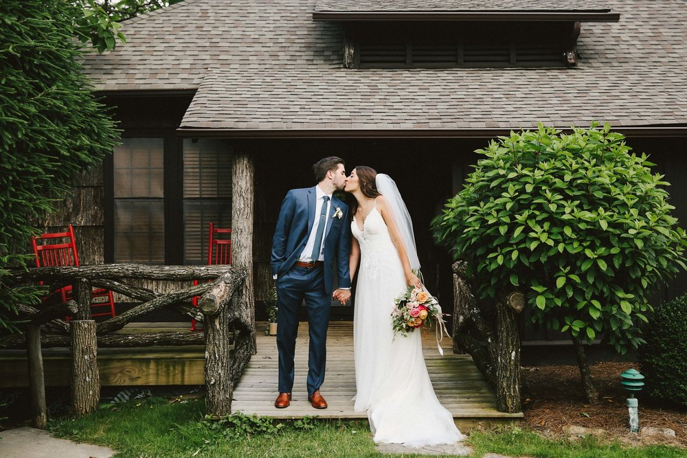 JEN'S BREATHTAKING MOUNTAINSIDE WEDDING