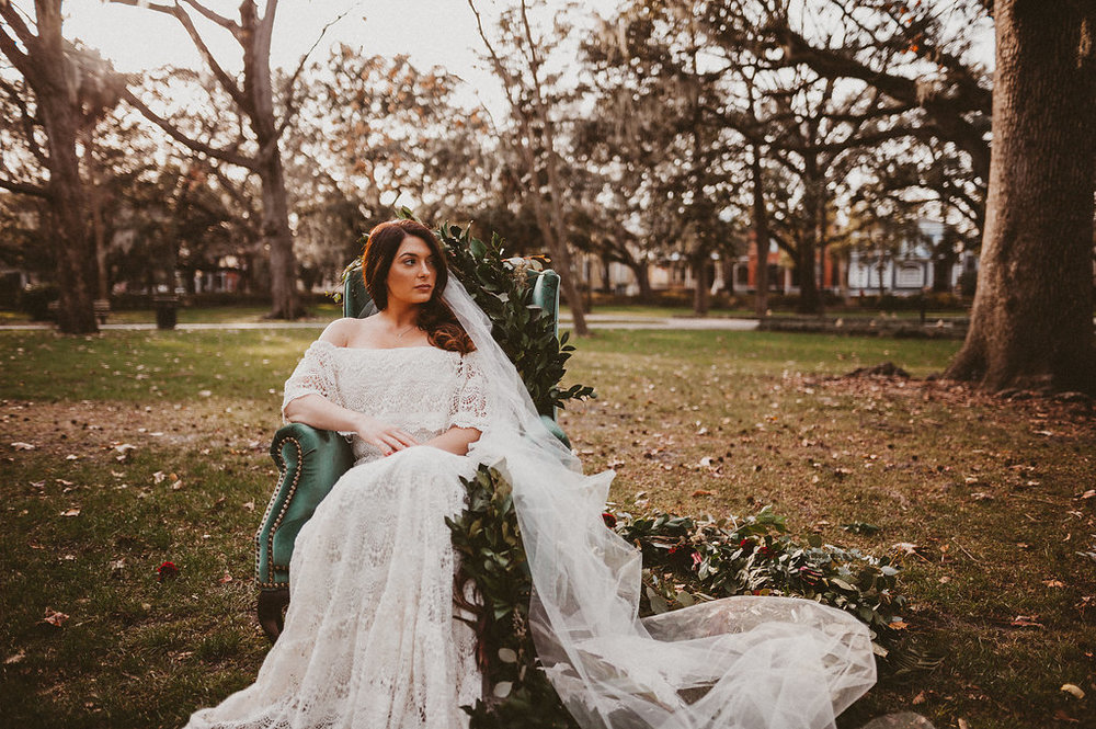 ivory-and-beau-bridal-boutique-savannah-2018-wedding-trends-daughters-of-simone-l+m-photography-savannah-photography-trendy-wedding-8.jpg