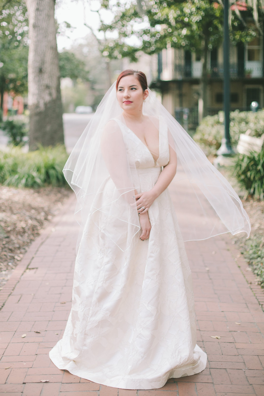 ivory-and-beau-bridal-boutique-jenna-davis-photography-kinsley-rebecca-schoneveld-savannah-bridal-boutique-savannah-bridal-shop-savannah-wedding-dresses-savannah-wedding-photographer-4.jpg