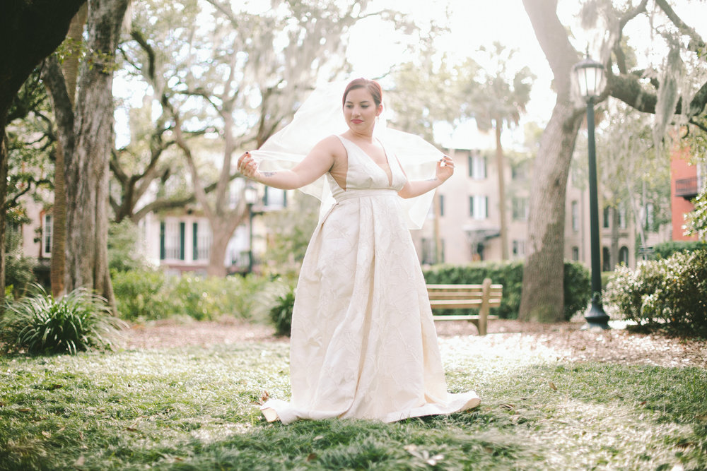 ivory-and-beau-bridal-boutique-jenna-davis-photography-kinsley-rebecca-schoneveld-savannah-bridal-boutique-savannah-bridal-shop-savannah-wedding-dresses-savannah-wedding-photographer-6.jpg