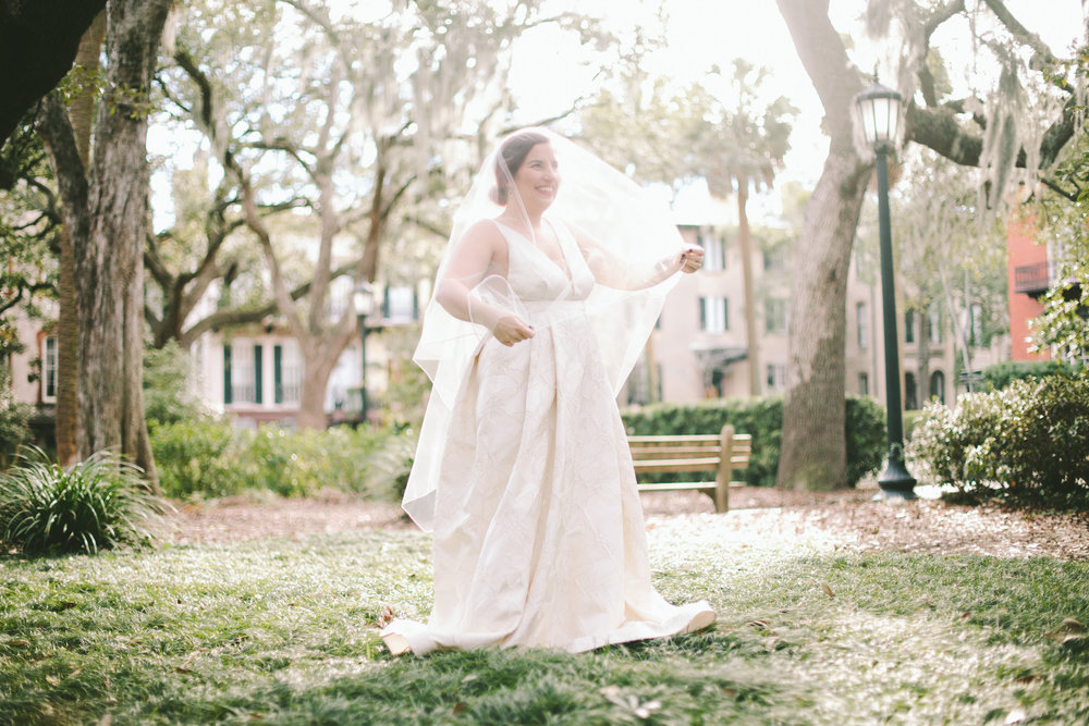 ivory-and-beau-bridal-boutique-jenna-davis-photography-kinsley-rebecca-schoneveld-savannah-bridal-boutique-savannah-bridal-shop-savannah-wedding-dresses-savannah-wedding-photographer-12.jpg